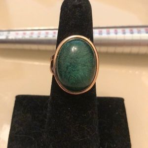 Jewelry - Green cabochon ring